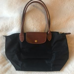LIKE NEW Small Longchamp Le Pliage - Black